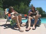 שמנים וסקס טוב של לסביות בבריכה יוקרתית